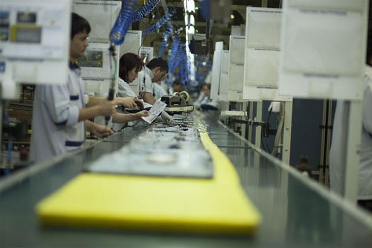 Сборка электроники на заводе TPV CIS