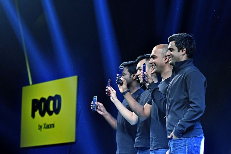 Презентация смартфонов POCO