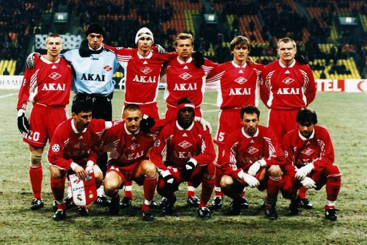 1998 год. AKAI — спонсор футбольной команды «Спартак» Москва.