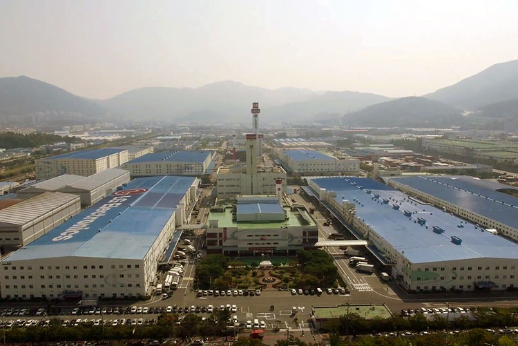Завод LG Electronics в городе Чангвон, Южная Корея