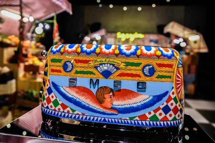 Тостер от SMEG и Dolce&Gabbana
