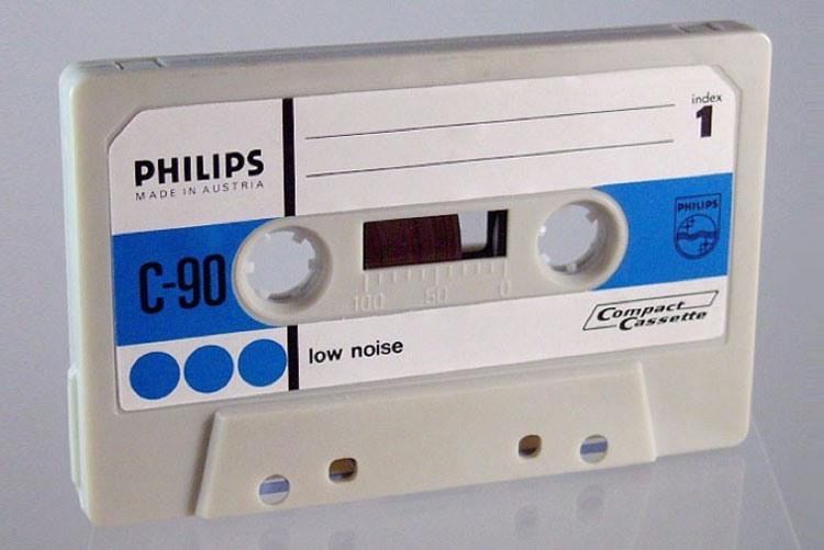 Компакт-кассета Philips