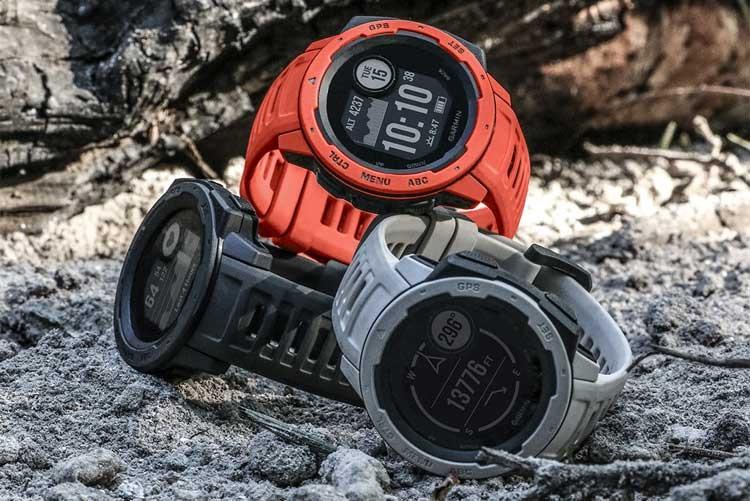 Спортивные GPS-часы Garmin Instinct