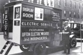 1920-е годы, Фред Аптон с брендированным автомобилем
