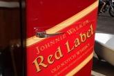 Холодильник в стиле Johnnie Walker red label