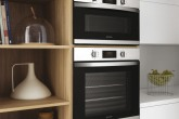 Встраиваемые духовой шкаф и свч-печь линейки Aria от компании Indesit